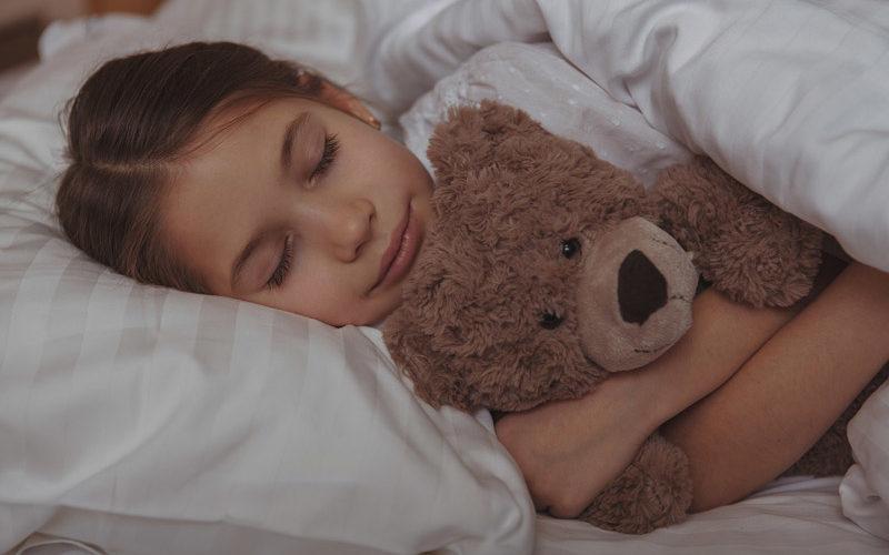 Girl-and-Teddy